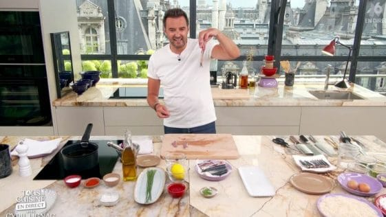 Cyril Lignac 'Tous en Cuisine'. Hilare face au sosie d'une personnalité !