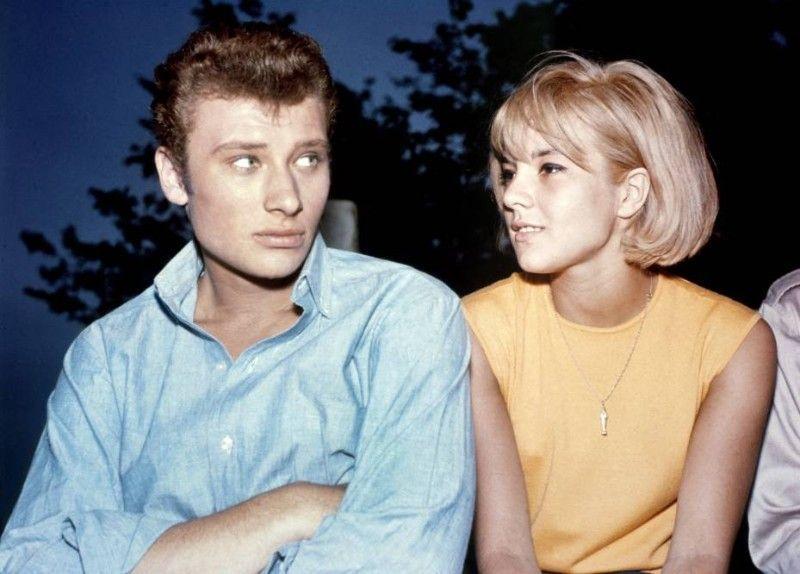 Sylvie Vartan et Johnny Hallyday .. un couple emblématique de la chanson en France