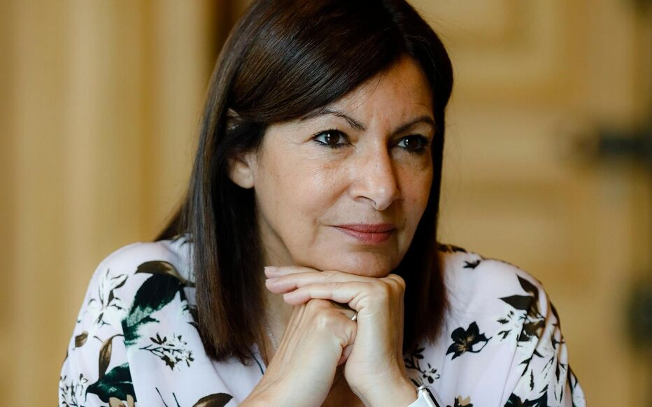 "Anne Hidalgo : ""Parole non tenue"" Sa candidature déclenche la colère."